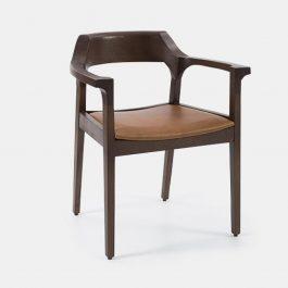 Arm chair with beech leg frame