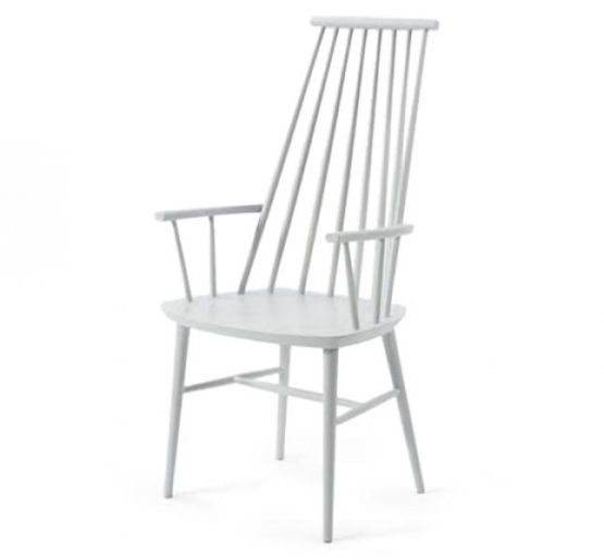 Side chair with high back and wooden seat